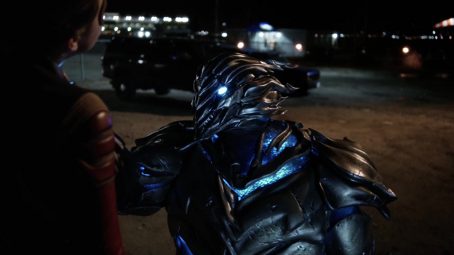 File:Savitar choking Jesse Quick.png