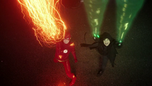The Flash and Pied Piper create a thermogenic blast