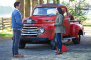 Elsewords - First look at Clark, Lois and Kara on the Kent Farm