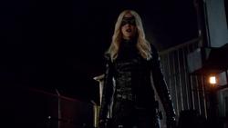 Laurel Lance con su traje