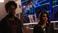 Dinah and Curtis inform Rene of Team Arrow's fallout