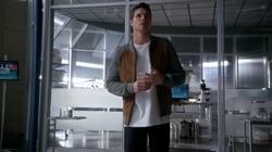 1x13 - Firestorm en STAR Labs