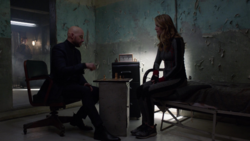 Lex plays chess with Supergirl's copy