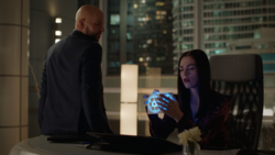 Lex gives the cube to Lena