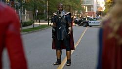 Novu é confrontado pelos heróis