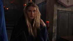 Courtney se revela como Merlín