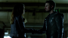 Dinah agrees to work with Oliver Queen