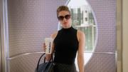 Kara at Cat's elevator