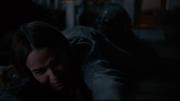 La esposa de Lannis es arrastrada