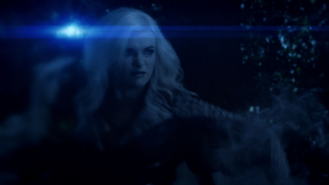 File:Killer Frost vs Vibe.png