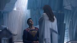 Clark Kent proposes