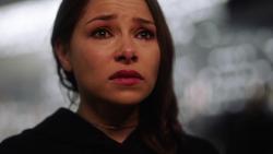 Nora após ver a mensagem de Barry