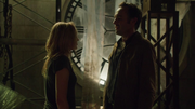 Sara Lance, Quentin Lance and The Arrow fight in members of the League of Assassins (4)