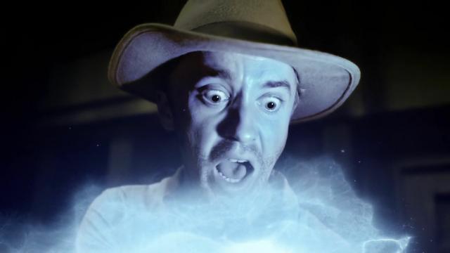 File:Julian Albert is possessed by Savitar.png