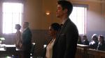Barry wysłuchuje wyroku sądu, oskarżającego jego osobę