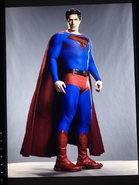 Crisis on Infinite Earths - Brandon Routh as Superman first look 3