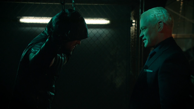 File:Damien Darhk about to unmask the Green Arrow.png
