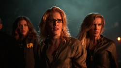 Dinah and the others escape Diaz's trap