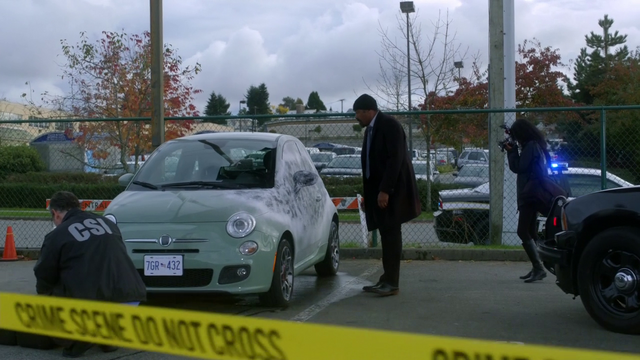 File:Caitlin's car frozen by the Cold Gun.png