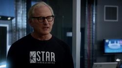 Stein en STAR Labs tras separarse