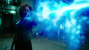 Cyberwoman fight with Team Green Arrow, Flash and Supergirl (5)