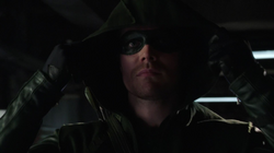 Oliver dons The Arrow's mask for the first time