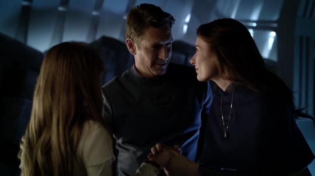 File:Zor-El and Alura say goodbye to Kara.png