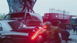 Eobard enfrentando Barry