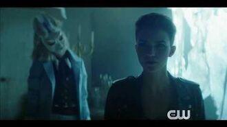 "Batwoman Season 1 Promo ""Surrounded"""
