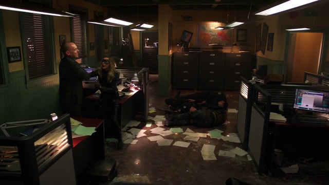 File:Black Canary arrives in time.png