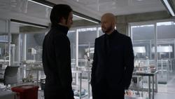 Lex confronts Brainiac 5