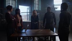 Alex, Kelly, Kara, J'onn and Brainy at the Tower