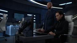 Lex asks Brainiac-5 about the Legion's cruiser's location