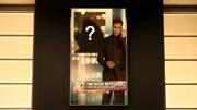 Revelación de la identidad de Robert Queen en televisión (Tierra-2)