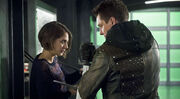 Arrow-season-finale-malcom-merlyn-thea-queen-reconcile-997697-1280x0