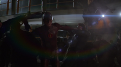 Fastest Man Alive - Barry se enfrenta a las copias de Danton