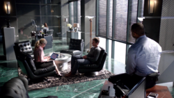 Felicity helps Oliver and Diggle find Derek Reston