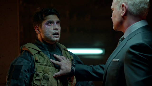 File:Damien Darhk absorbs a Ghost's life force.png