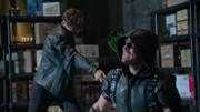 Lonnie Machin fight Green Arrow