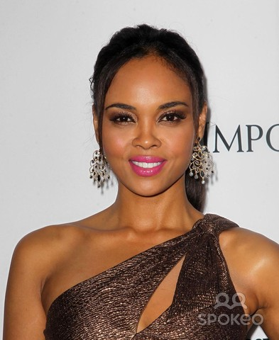 File:Sharon Leal.png