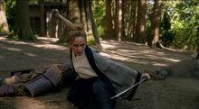 Sara fights against the ninjas