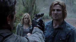 Tremors - Slade amenaza a Oliver
