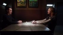 Lena visita Lillian na prisão