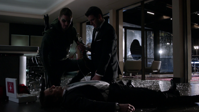 File:Oliver helps Tommy save his father's life.png