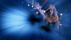 Caitlin Snow uses her powers in a possible future