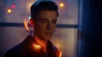 Barry Allen decyduje się nie uciekać przed policją, pozwalając na aresztowanie