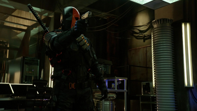 File:Deathstroke attacks Team Arrow.png