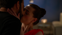 Lena Luthor and Jack Spheer kiss
