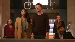 Team Flash witness the beginning of Crisis