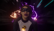 Nora rewinds time to save Team Flash